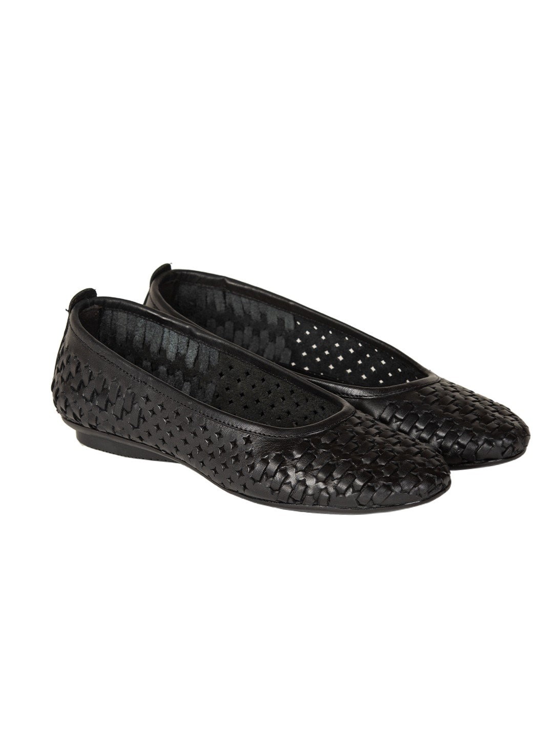 Buy VON WELLX GERMANY COMFORT DAZE CASUAL BLACK SHOES In Delhi