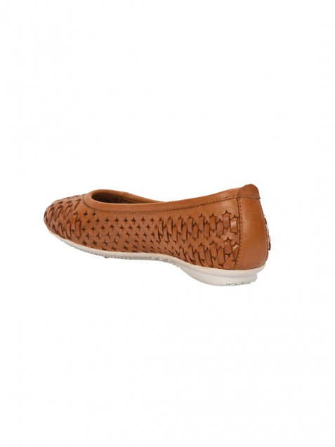 Buy VON WELLX GERMANY COMFORT DAZE CASUAL TAN SHOES In Delhi